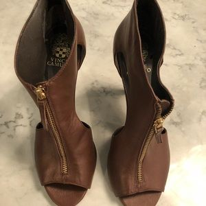 Vince Camuto open toe heels size 9B/39